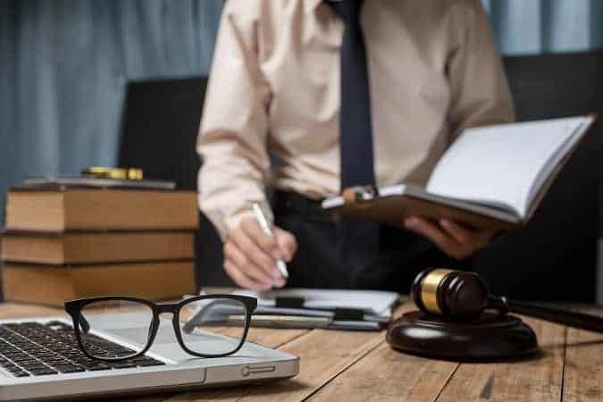 derecho abogado 675